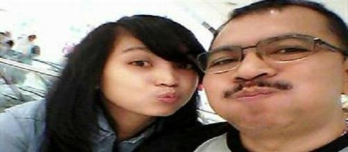 Ángela y su padre Iriyanto