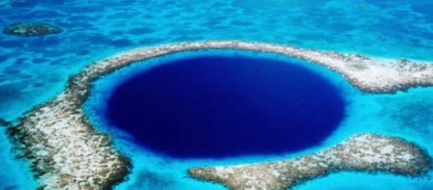 Buraco no mar de Belize, América central.