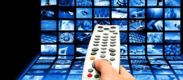 Programmi tv stasera Rai-Mediaset 30 dicembre 2014