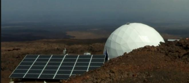 Num estudo da NASA, cientistas simulam uma missão tripulada a Marte num vulcão do Havaí.