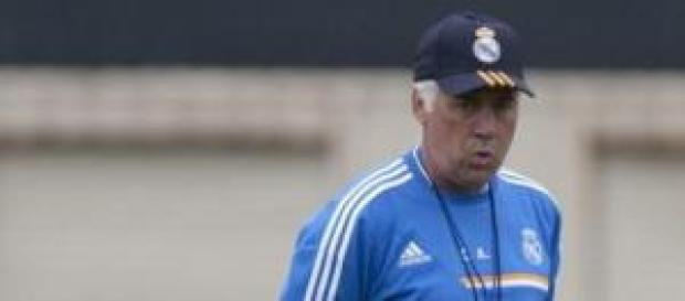 Carlo Ancelotti durante un entrenamiento.