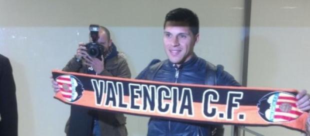 Enzo Pérez, nuevo jugador del Valencia C.F.