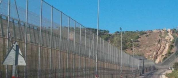 Imagen de una de las vallas de Melilla