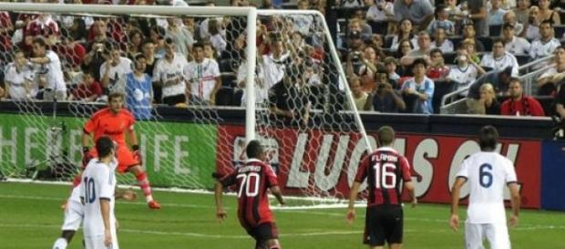"""Milan venceu """"Jogo dos Campeões""""."""