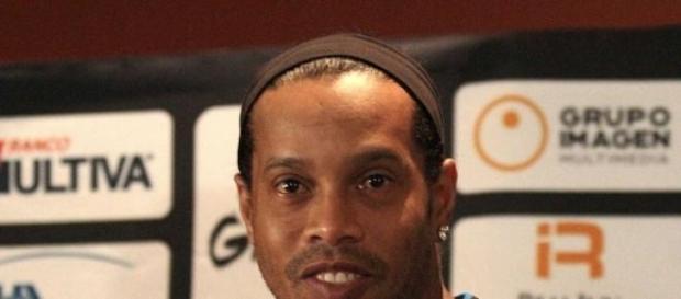 Ronaldinho nadie sabe que hará con su futuro