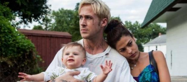 """Ryan Gosling y Eva Mendes en """"Cruce de caminos"""""""