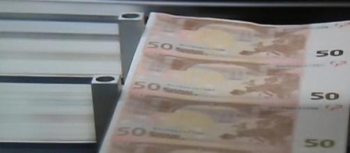 Dinero cada vez más escaso por la crisis