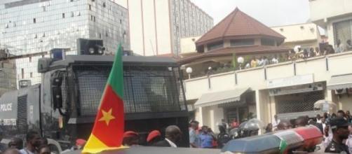 la baisse des cours du pétrole attaquele cameroun