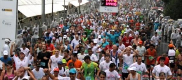 Corrida de São Silvestre é disputada em São Paulo
