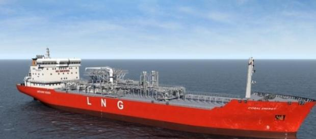Liquid natural gas maritime transportation