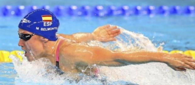 Mireia Belmonte en plena competición
