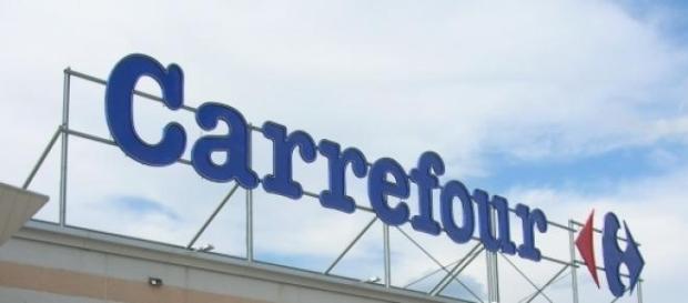 Carrefur indemniza a cliente con 12 mil euros