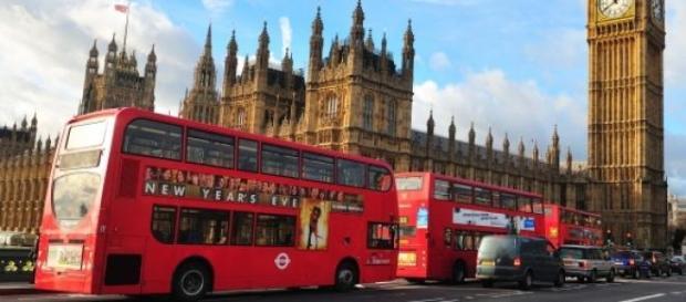 Portugueses rumam a Londres à conquista de emprego