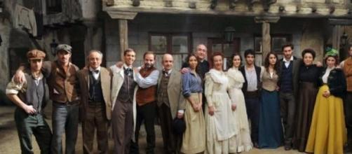 Nella foto: il cast al completo de 'Il Segreto'