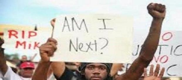 afroamericano en una manifestación