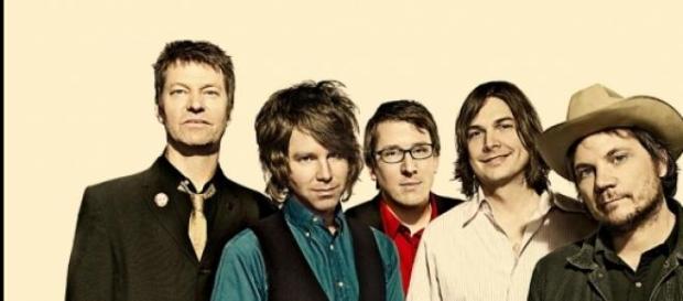 Jeff Tweedy y la banda Wilco