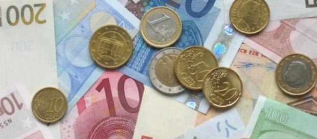 Renzi promette un'unica tassa per la casa