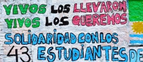 Pintada en solidaridad con los 43 de Iguala