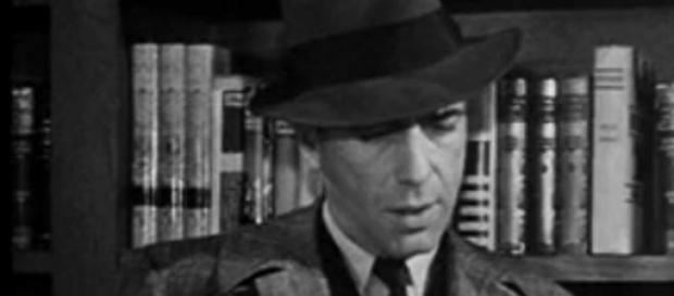 Bogart leyendo El sueño eterno