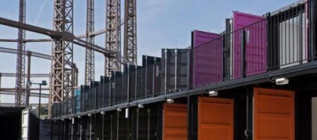 Treinta contenedores para oficinas