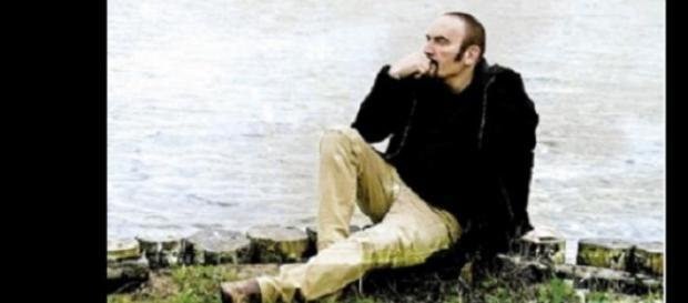 Addio Mango, indimenticabile cantautore italiano