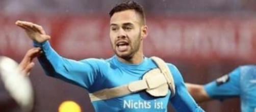 Engelbrecht arriesga su vida por amor al futbol