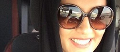 Joven detenida por conducir en Arabia Saudí