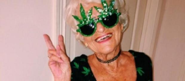 La abuela que imita a Miley Cyrus