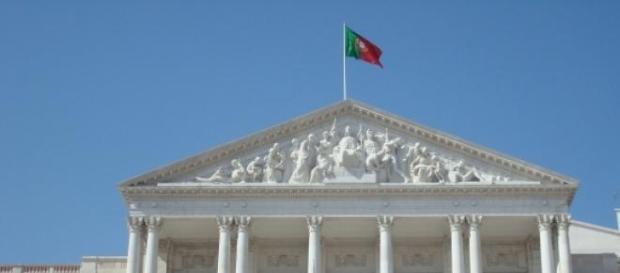 Marinho e Pinto e os vencimentos dos deputados