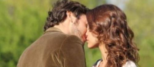 Il bacio tra Pepa e Tristan,