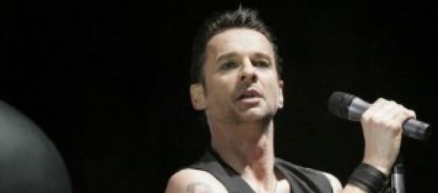 Dave Gahan e i suoi Depeche Mode al Forum
