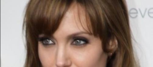 Angelina Jolie interpreta Malefica