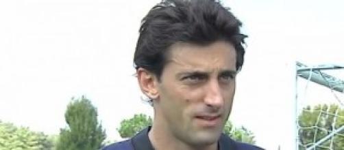 Diego Milito affronta la Roma