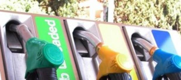 Aumentano i prezzi del carburante