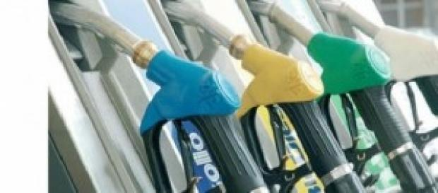 aumento prezzi benzina e gasolio
