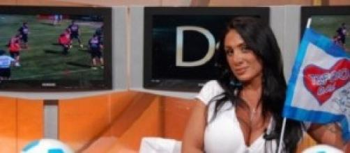 Marika Fruscio, esultanza 'scandalo fuori di seno'