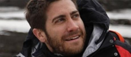 Jake Gyllenhaal immortalato senza veli sul set