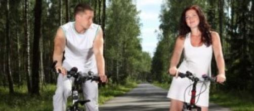 Sempre più italiani si spostano in bici