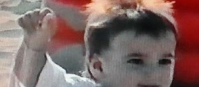 Il baby Mengoni nel nuovo video, La valle dei re
