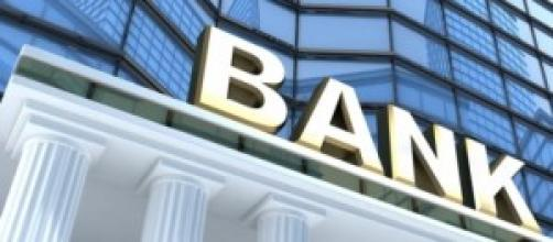 Bomba esplode davanti banca Atene