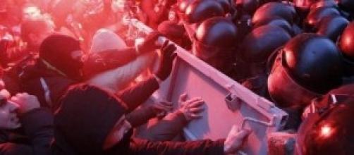 Scontri tra polizia ucraina e filorussi