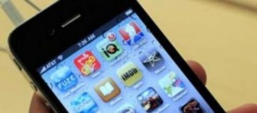 smartphone con varie app disponibili