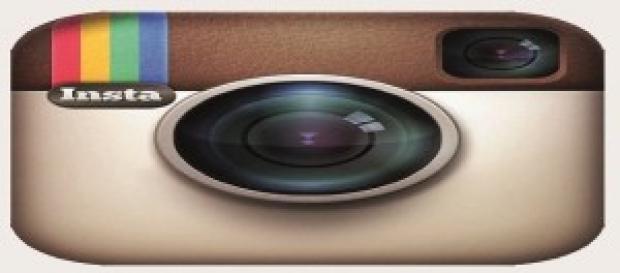 Underboob: il nuovo selfie con autoscatti piccanti