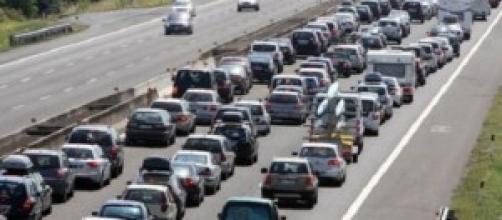 Traffico in una strada italiana