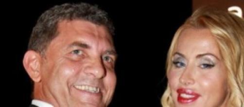 Valeria Marini fuga d'amore a Ibiza
