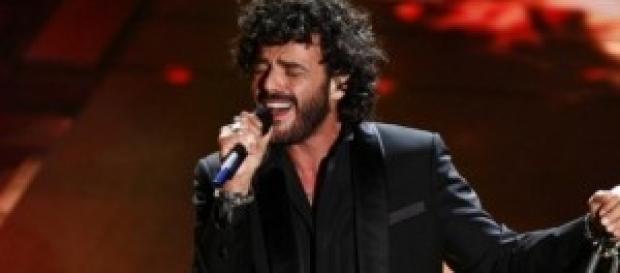 Francesco Renga sul palco dell'Ariston