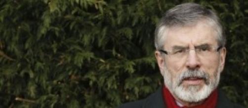 Gerry Adams, arrestato per omicidio.