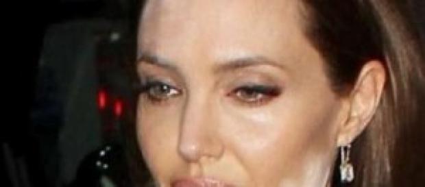Gossip news, Angelina Jolie, macchia sul viso