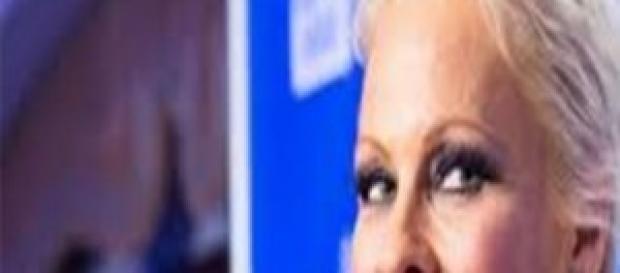 Pamela Anderson stuprata da bambina