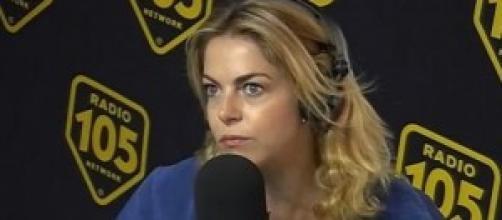 Gossip news, Claudia Gerini, topless e lato B